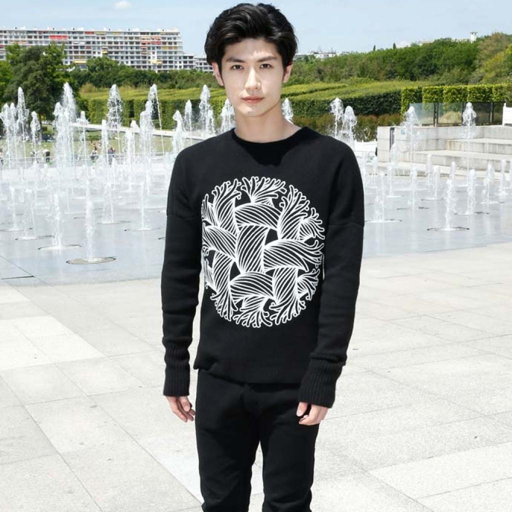 Haruma Miura (三浦春馬) 穿著Louis Vuitton服裝 | fashion-premier.com