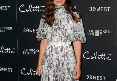 Keira Knightley 穿著 Alexander McQueen