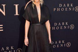 Jennifer Lawrence 穿著 Dior Cruise 2020 by Maria Grazia Chiuri