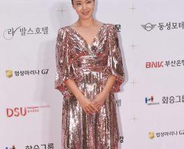 JEON YOEN 穿著 CELINE BY HEDI SLIMANE 晚禮服