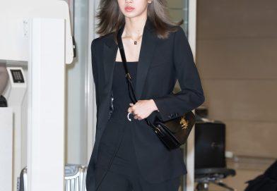 LISA穿著 CELINE BY HEDI SLIMANE黑色TUXEDO