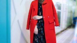 朱千雪穿著MARYLING FW17 紅色長褸