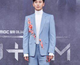 Ju Ji Hoon穿著 Alexander McQueen Pre SS19 西裝