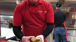 Five Guys登陸香港    最貼心的漢堡包 !