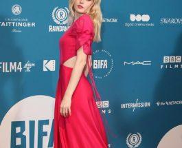 Ellie Bamber 穿著Salvatore Ferragamo晚禮服