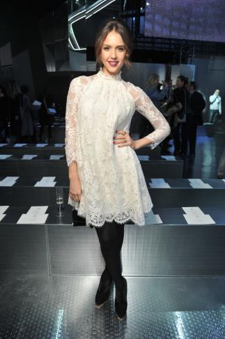 hm-fashion-show-jessica-alba-wearing-hm_low