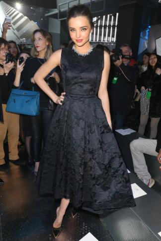 hm-fashion-show-miranda-kerr-wearing-hm_low